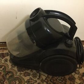 Black Hoover in very good working condition without pipe only £5