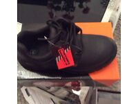 SAFETY SHOES. £15