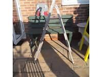 4 rung & top step ladder