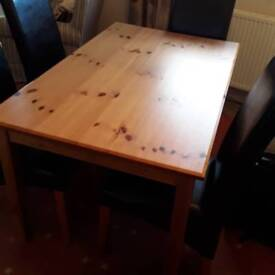 Pine Table with 4 leather chairs