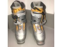 Salomon ski boots used only two times