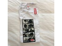2016 F/W Supreme Sumo Tee T Shirt White Size Medium M box logo (Unworn Dead Stock). Size Medium