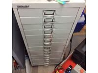Filing cabinet and bisley drawer unit