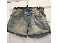 Shorts in jean H&M size 36 (meaning 38 for H&M)
