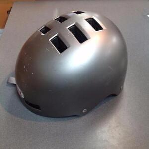 Bell Bike Helmet Med Grey (SKU:2AWWTR)