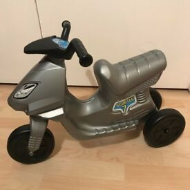 Kids toy scooter/motorbike £5