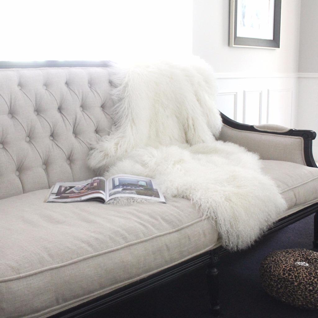 WHITE REAL TIBETAN FUR MONGOLIAN LAMBSKIN SHEEPSKIN HIDE BED THROW ... for Sheep Fur Blanket  555kxo
