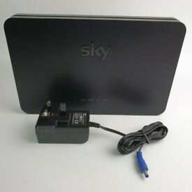 SKY SR203 Latest Broadband Hub 4 Wireless Router WiFi Dual Band- Mint Cond + cables FOR SALE!