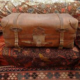 Leather trunk by Drew and Sons of Piccadilly, a very prestigious luggage maker