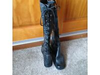 BLACK LACE UP, BOW TIE BOOTS (UK SIZE 5) UNUSUAL