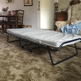 Single folding bed