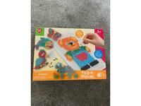 Play go - Peg a mosaic toy