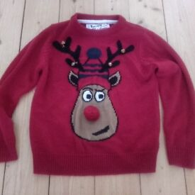 Red Christmas jumper age 7/8