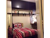 Ensuite / bedsit in very clean house .near all amenities