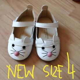Infant Girls shoes size 4, 4.5, 5