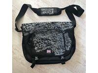 Billabong Messenger Bag, Excellent Condition, Like New