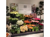 Experienced florists required for busy Oxford Street store