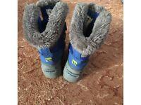 Boy winter boots size 6
