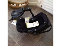 KIDDY - Evo Lunafix infant car seat/carrier and Isofix base set less than 11 months old!!
