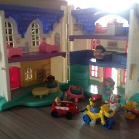 Fisher Price Little People Dolls House, Playpark & Castle