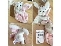 💕 NEW - Cute adorable white Bunny soother soft toy 🐰 🐇 Baby girl 🎀