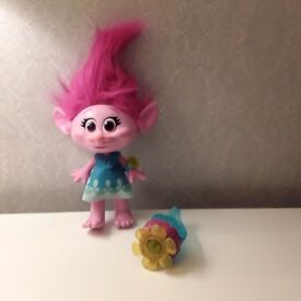 TROLLS Poppy Hug Time Doll ***Great Condition***