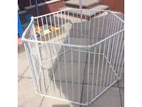 MOTHERCARE PLAYPEN/SAFETY GATE *IDEAL FOR DOGS TOO*