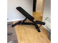 Commercial heavy duty adjustable bench. Incline:decline £ 275. Never used!
