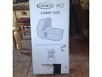 BRAND NEW GRACO CARRY COT IN YHE BOX NAVY