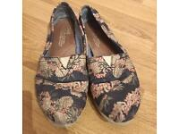 Pineapple & Flower Print Toms Shoes