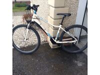 Ladies giant enchant 2 hard tail mountain bike