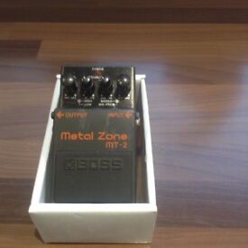 BOSS MT2 - METAL ZONE FOOT PEDAL,IN BOX,EXCELLENT CONDITION.