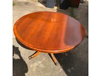 Vintage circular table - 125(D)x75(H) cm