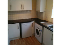 Large 2 double bedroom flat on Oakmead Road. 5mins walk to Balham or Clapham South Tube