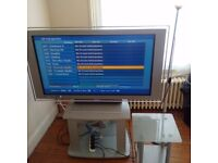 Sony Bravia 46 inches, 2 HDMI ports, HDready. MUST GO THIS WEEK !! ASAP !!