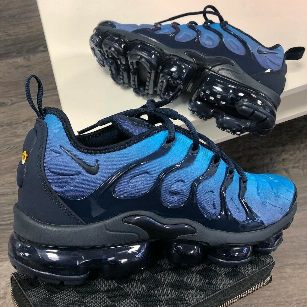 nike air vapormax plus blue