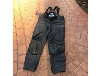 Motorcycle leather trousers/ sallapetts