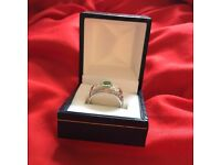 ***BEAUTIFUL ANTIQUE 18CT GOLD 0.40 CT two STONE OLD CUT DIAMOND RING-0.60 emerald