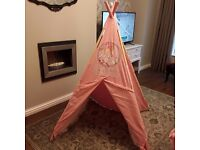 **PLAY TENT** Beautiful Tent ***Excellent Condition*** Cost £180
