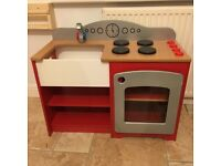 Millhouse country kitchen, wooden play kitchen
