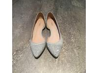 Flat grey/silver shoes