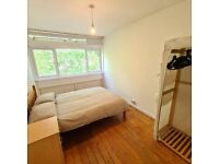 Spacious Double Room to Rent in Cedars Road, Clapham SW4.Single Professional Only.