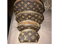 Lv bag set of 4 new condition 3 colours available