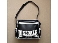 Black/White Lonsdale Messenger Sports/School Bag
