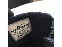 like new - black nike air UK size 7/EU 41 - 49 GBP