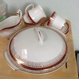 Dinner set and tea set. Royal GraftonMajestic