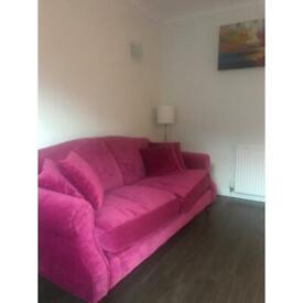 Sofa and 4 cushions