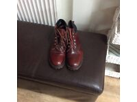 Mens Size 8 Air Wair Leather Boots.