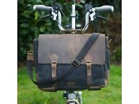 New Exclusive Messenger Bag for BROMPTON in BLACK