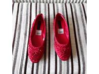 Ladies casual shoes size 7 red